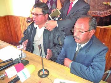 Cívicos tienen el reto de revocar a los concejales y al gobernador