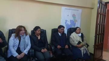 Esperan firmas para revocar a 50 autoridades en el Departamento