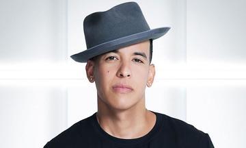 Yankee  compone para otros artistas