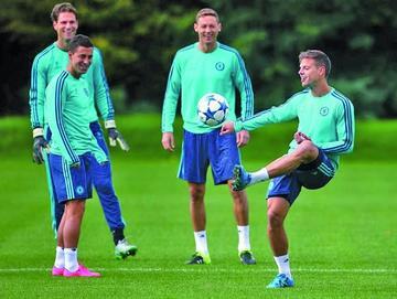 Chelsea, United, Spurs y Southampton se aferran a la Copa para salvar el año