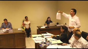 Juez ordena arraigo y detención domiciliaria para alcalde Leyes