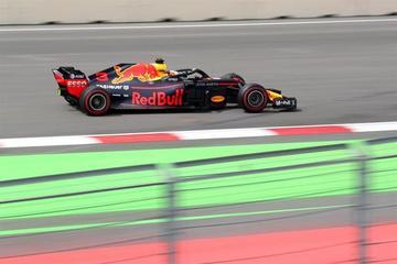 Ricciardo lidera los segundos ensayos libres en Azerbaiyán