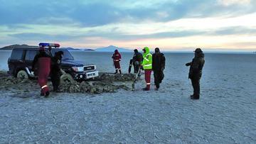 Policía rescata a personas atrapadas en Salar de Uyuni