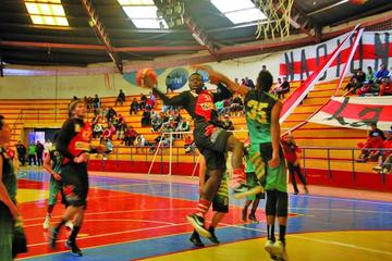 Nacional Potosí se corona campeón del torneo de básquet