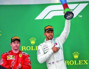 El británico Lewis Hamilton gana el Gran Premio de Azerbaiyán