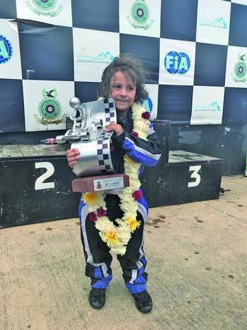 Potosinos suben al podio en el karting