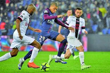 París Saint Germain empata con Amiens