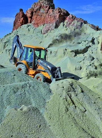 Proyectan tercera fase de relleno seco en el Cerro Rico de Potosí