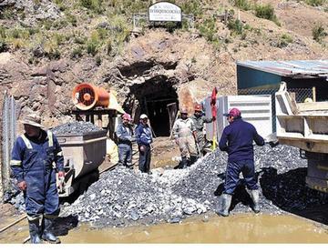 Mineros denuncian el robo de oro producido en Amayapampa