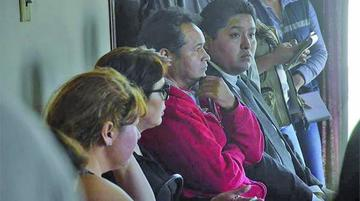 Dan medidas sustitutivas para tres funcionarios por Mochilas I