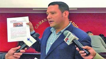 Involucran al gerente de la CNS en licitaciones ilegales