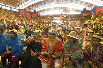 Las 16 naciones originarias se reúnen en congreso de Llallagua
