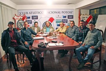 Nacional decide ratificar como técnico a Malvestiti
