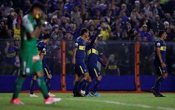 Boca golea y se instala en octavos de final de la Copa