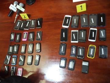 Incautan celulares que eran vendidos en Mercado Chino