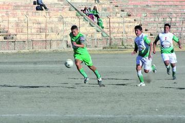 Ferrocarril Palmeiras golea 3-0 a Deportivo Cervecería