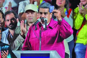 Maduro proclama su reelección en medio de denuncias y abstención