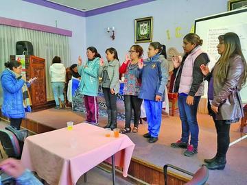 Trabajadoras sociales anuncian atención a sectores vulnerables