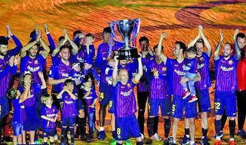 Barcelona festeja el título con victoria sobre Real Sociedad