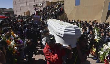 Universitarios piden renuncia de Morales y anuncian protesta