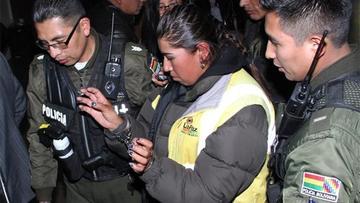 Arraigan a funcionaria que denunció agresión policial