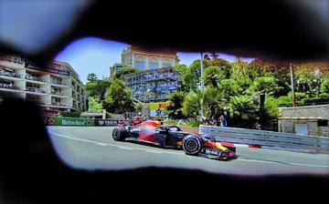 Ricciardo sale primero en Mónaco