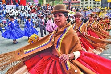 Miles bailan y celebran en entrada del Gran Poder