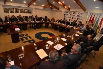 Empresarios definen en congreso nacional defensa de sus derechos