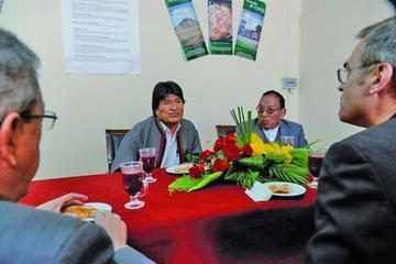 Evo Morales anuncia un trabajo conjunto con el cardenal Ticona