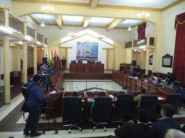 Los sueldos para la Gobernacion y la Asamblea suben en 5,5 %