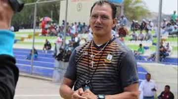 Carlos Leeb puede asumir la dirección de la U