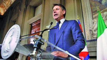 Giuseppe Conte jura como primer ministro de en Italia