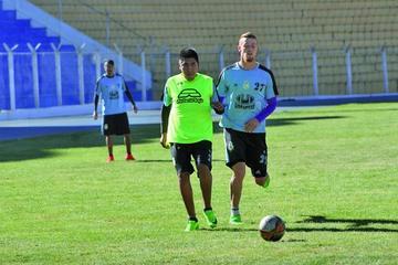 El Dt Cari alista todo su arsenal para jugar el partido de vuelta ante Guabirá