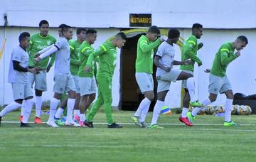 La selección nacional entrena sin pausa
