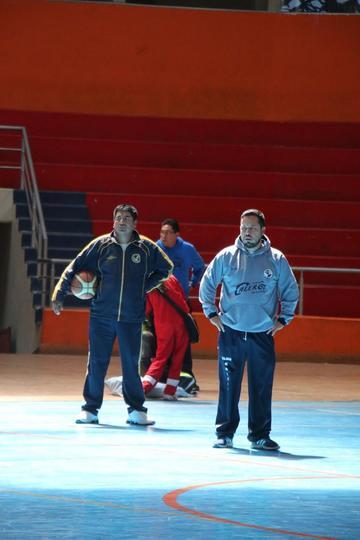 Vargas define quinteto para debutar ante Perú
