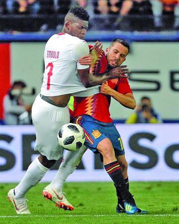 España empata por la mínima contra Suiza