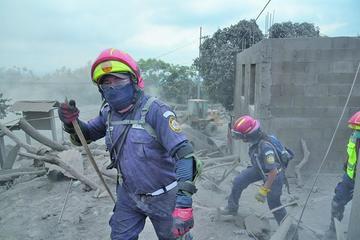 Guatemala anuncia reconstrucción tras erupción del volcán de Fuego