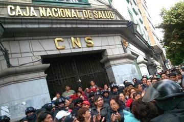 Médicos de la CNS paran hoy por los casos de corrupción