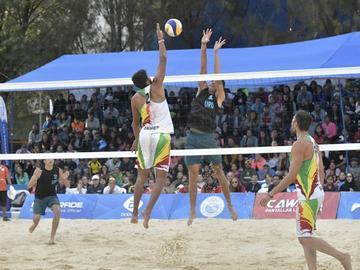 Bolivia disputará con Chile el bronce en voleibol
