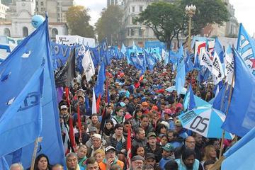 FMI da a Argentina un préstamo de 50.000 millones de dólares