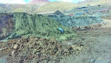 Cierran trabajos de KZ Minerals por vertido de colas a quebrada