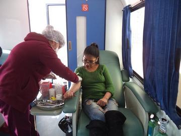 Recolectan sangre en el día mundial del donante voluntario