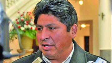 Exministro que reveló mal de Gualberto Cusi vuelve a una cartera de Salud