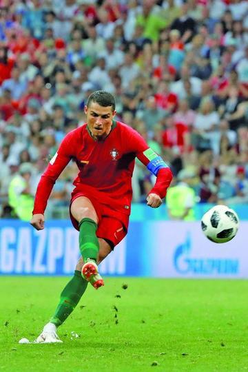 Ronaldo iguala en un partido los tres goles en Mundiales
