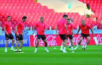 Polonia entra en escena enfrentando a Senegal