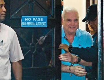 Defensa pide que Martinelli permanezca detenido en su casa