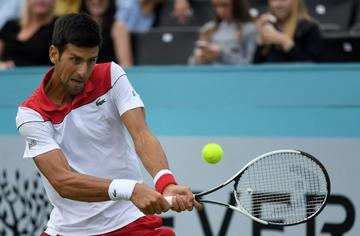 Djokovic arrolla a Millman en Queen's