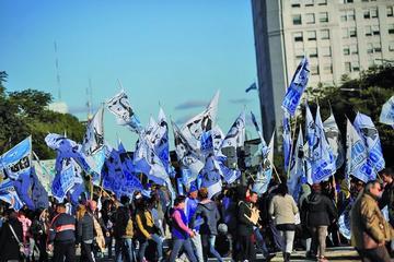 El FMI formaliza el préstamo de $us 50.000 millones a Argentina