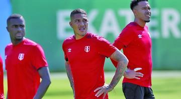 Perú necesita vencer a Francia para mantener esperanza de avanzar