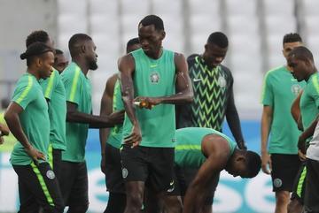Islandia y Nigeria se juegan su futuro en el Mundial